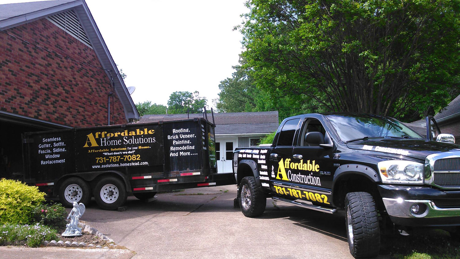 Affordable Construction with truck and trailer attached for slider